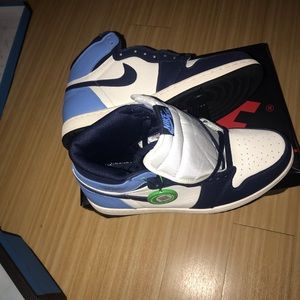 Jordan Shoes - Jordan 1 Carolina blue size 11
